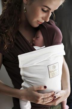 Hug a Bub sling with mom